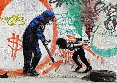 Al Tiro con la Tira – Un tributo a la policía